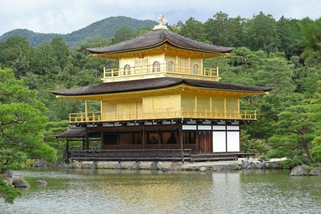 金閣寺のサンプル画像を載せてます。